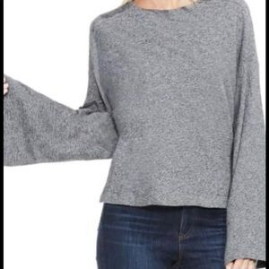 TWO BY VINCE CAMUTO Woman gray bell sleeve top Med